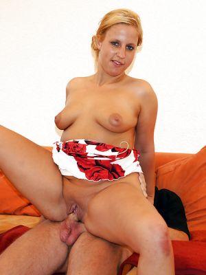 Любительский секс с толстой милфой
