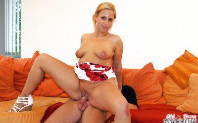 Фото №8 Любительский секс с толстой милфой