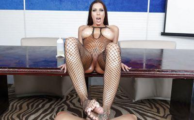 Фото №13 Красивый секс с шикарной порнозвездой в масле