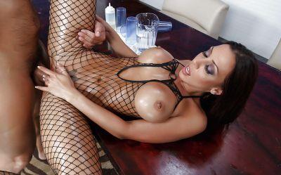 Фото №14 Красивый секс с шикарной порнозвездой в масле