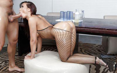 Фото №7 Красивый секс с шикарной порнозвездой в масле