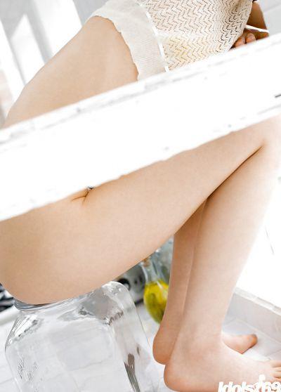 Фото №5 Красивая молодая азиатка с мохнаткой между ног