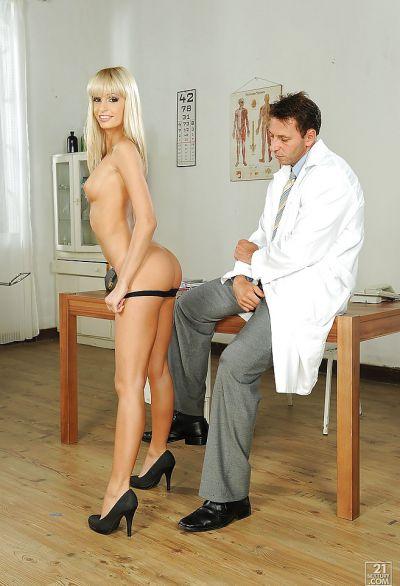 Фото №2 Потрахалась на приеме у гинеколога