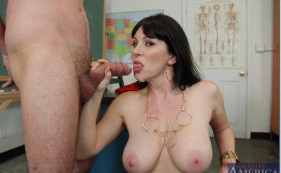 Фото №15 Секс с отличной зрелой училкой в чулках